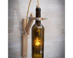 Braun Glas Flasche Holz Wandleuchte, Holz Lampe, Wein Geschenk, Licht, Wein Flasche Wandleuchte, Wein Flasche Dekor, Wein Flasche Licht Recycling-Glas