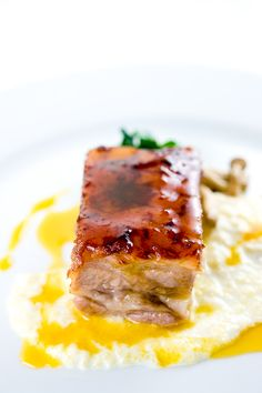 Pork Belly confit with tangerine-sesame emulsion, grits & chinese chives | Zen Can Cook