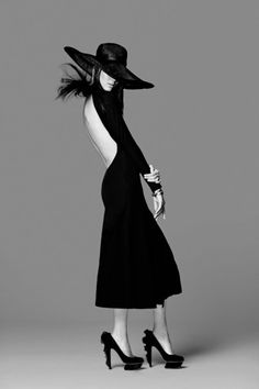 Fashion Model Pose - black & white fashion photography // Ph. Kendall Jenner for Miss Vogue by Russell James