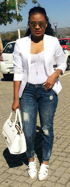 Weekend Blazer / Fashion By Lendisi.blk purse n leather n fabric blazer jacket Jean Outfits, Stylish Outfits, How To Wear Blazers, Blazer Fashion, Weekend Wear, Types Of Fashion Styles, Casual Chic, Clothes For Women, Womens Fashion