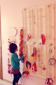 DIY Jewelry and Accessory Organization - my little girl would be beside herself with excitement!