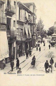 Calle de pascual y gen s al fondo la calle de col n for Muebles casal valencia