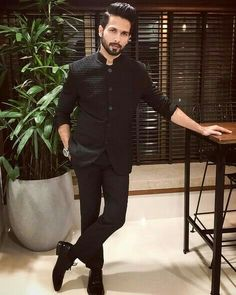 Indian men fashion - Shahid Kapoor has an important message for those objecting to Padmavati Mens Indian Wear, Mens Ethnic Wear, Indian Groom Wear, Indian Men Fashion, Mens Fashion Suits, India Fashion Men, Wedding Kurta For Men, Wedding Dresses Men Indian, Wedding Dress Men