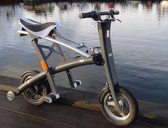 駐車場不要の折り畳み電動スクーター「Stigo」 - えん乗り