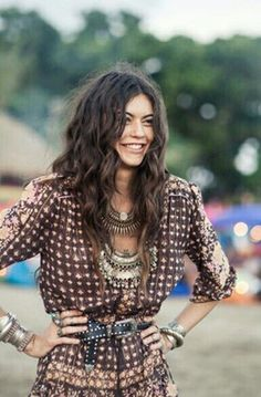 Boho forever... Our style inspiration for our #minimalistjewelry #minimalistjewellery #minimalist #jewellery #jewelry #jewelleries #jewelries #minimalistaccessories #bangles #bracelets #rings #necklace #earrings #womensaccessories #accessories #minimalistbabe #minimalistbabes