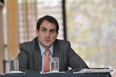 Se analizan todos los contratos que la empresa que crearon González y su esposa han firmado con entidades públicas mientras él ocupaba altos cargos en el Estado.