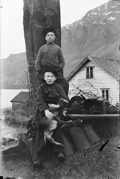 vintage everyday: 71 Amazing Vintage Photos Documented Everyday Life of Stongfjorden, Norway from the 1900s-10s