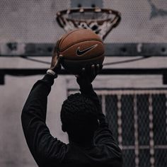 Online Scrapbook, Profile Wallpaper, Basketball Photography, What Team, Long Shot, Couple Photography Poses, Aesthetic Wallpapers, Old School, Riding Helmets