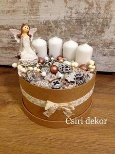 Adventi asztaldísz Christmas Advent Wreath, Custom Christmas Ornaments, Christmas Food Gifts, Winter Christmas, Christmas Crafts, Christmas Decorations, Holiday, Christmas Floral Arrangements, Craft Sale