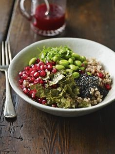 This brown rice recipe takes super healthy brown rice and jazzes it up so it is a flavour sensation, Jamie Oliver's brown rice bowl is a game…