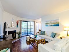 Luxury West Hollywood 2BR Apt.  Walk to Santa Monica/Melrose Blvd! A+Location!. West Hollywood 2 Bedroom located just two blocks from Melrose Blvd, La Cieneg...