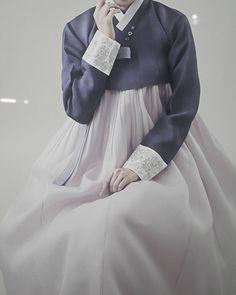 hanbok_leeseunghyun  ᆞ 파스텔색상의 단아한 혼주한복 ᆞ 하객 한복으로도 멋진 색상으로 손색이 없을듯 합니다. ᆞ ᆞ #한복 #이승현한복 #청담한복  #명품한복