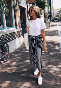 B&W striped bucket pants & white tee #lastyle #summerstyle