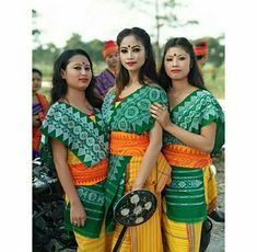 Bodo tribe of Assam Stylish Photo Pose, Vietnam Girl, Bodo, Model Pictures, Western Outfits, Occasion Wear, Indian Ethnic, Modern Fashion, Traditional Dresses
