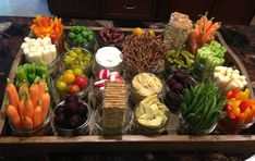 Relish tray in mason jars. Appetizer Dips, Appetizer Recipes, Snack Recipes, Cooking Recipes, Healthy Recipes, Veggie Platters, Veggie Tray, Veggie Cheese, Meat Trays