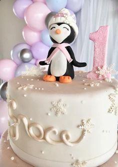 Boys 1st Birthday Party Ideas, Birthday Cake Girls, Girl First Birthday, First Birthday Parties, First Birthdays, Penguin Cake Toppers, Penguin Cakes, Penguin Birthday, Penguin Party