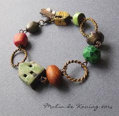Bracelet_1409_HousesAndOakLeaf