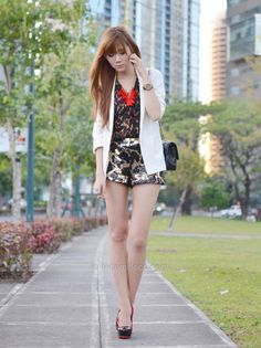 http://itscamilleco.com (Leopard Sequins | Camille Tries to Blog)