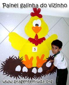 Painel da galinha para trabalhar números - Pra Gente Miúda Kindergarten Math Activities, Preschool Centers, Montessori Math, Kindergarten Classroom, Preschool Activities, Math For Kids, Crafts For Kids, Farm Animals Preschool, Farm Lessons