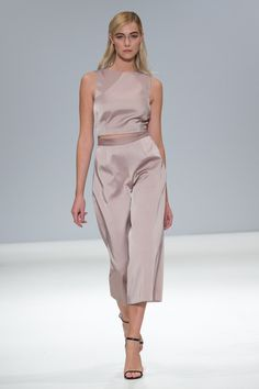 Zeynep Kartal - Spring/Summer 2016 Ready-To-Wear - LFW (Vogue.co.uk)