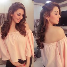 Hansika motwani in saravana stores advertisment shooting spot😘 Saree Hairstyles, Open Hairstyles, Bride Hairstyles, Engagement Hairstyles, Indian Wedding Hairstyles, Hair Style On Saree, Hair Upstyles, My Hairstyle, Hairstyle Ideas