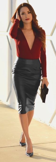 "notonmyclothes: ""loverofgorgeous: ""  From: Lover Of Gorgeous "" Lovely pencil skirt """