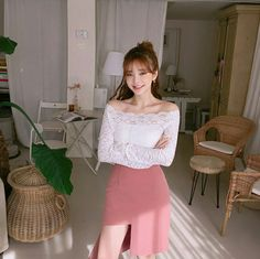 @Missodora Korean Beauty Girls, Cute Korean Girl, Cute Asian Girls, Asian Beauty, Korea Fashion, Asian Fashion, Girl Fashion, Fashion Outfits, Teen Girl Outfits