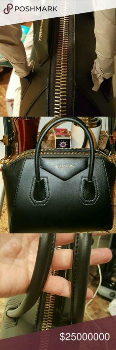 EXTRA PICTURES OF THE GIVENCHY ANTIGONA EXCELLENT CONDITION GIVENCHY ANTIGONA SATCHEL  Bags Shoulder Bags