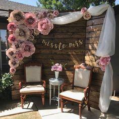 A Rustic Vintage Bridal Shower in Utah - New ideas Decoration Evenementielle, Backdrop Decorations, Diy Wedding Decorations, Bridal Shower Decorations, Backdrop Ideas, Booth Ideas, Bridal Shower Backdrop, Diy Wedding Backdrop, Bridal Shower Rustic