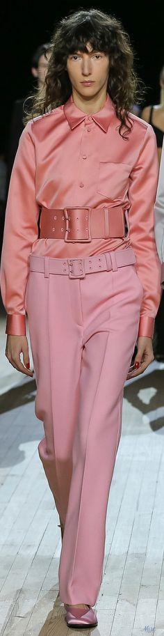 Fall 2020 RTW Marc Jacobs Fashion 2020, High Fashion, Womens Fashion, Fashion Trends, Moda Coral, Marc Jacobs, Coral Fashion, Glamour, Warm Colors