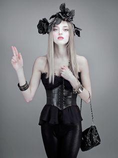 . Digital Art Photography, Portrait Photography, Fashion Photography, Macabre Photography, Book Tag, Black And White Roses, Black Flowers, Magazine Mode, Vogue