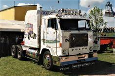 Show Trucks, Big Trucks, Cabover Camper, Truck Transport, Old Lorries, Cab Over, Volvo Trucks, Vintage Trucks, Classic Trucks