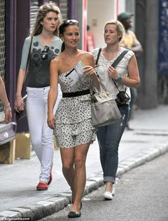 pippa middleton graduates edinburgh university | Girls together: Pippa enjoyed a post-Royal Wedding weekend in Madrid ...
