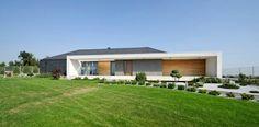 Atrium single family house by MOBIUS architekci