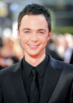 Short Textured Haircut with Messy Style for Men from Jim Parsons, he looks so cute in this pic.!