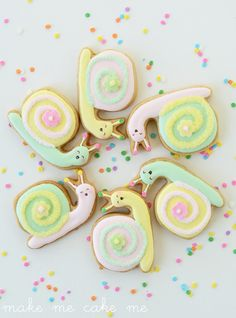 Summer Snail Cookies: Because Slow Food is Sweet Kinds Of Cookies, Cute Cookies, Cupcake Cookies, Iced Cookies, Sugar Cookies, Frosted Cookies, Cookie Tutorials, Cookie Frosting, Cookie Designs