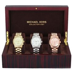 Michael Kors OFF!>> Why give her just one watch when you can give her a watch wardrobe? This set of three Michael Kors womens watches will make it easy for her to coordinate her timepiece with her outfit. Cheap Michael Kors, Handbags Michael Kors, Michael Kors Watch, Jewelry Accessories, Fashion Accessories, Fashion Jewelry, Jewelry Watches, Women's Watches, Watches For Men