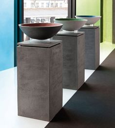 Love these contemporary plinths for displaying sculpture or key artifacts in home entry | Atelier Vierkant