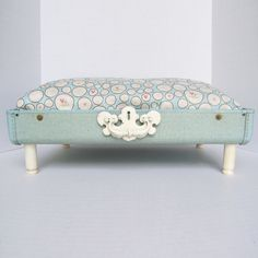 Shabby, Cats And Chic On Pinterest Diy Shabby Chic Pet Bed