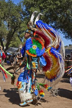 IMG_0475 by Thomas Jacob1 Native American Ancestry, Native American Regalia, Native American Indians, Native Americans, Native Indian, Native Art, Powwow Beadwork, Indian Pictures, Indian People