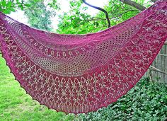 Ravelry: Cynara Shawl pattern by Dee O'Keefe - she writes the BEST patterns! Knitted Washcloths, Knitted Shawls, Lace Shawls, Thistle Plant, Crochet Baby Beanie, Star Stitch, Lace Patterns, Shawl Patterns, Knitting Accessories