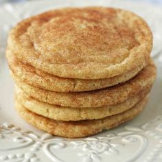 The Best Snickerdoodle Cookie Recipe. Soft and Chewy Snickerdoodle Cookies. The popular cinnamon-sugar soft and chewy sugar cookie recipe. A recipe that has been in the family for over 30 years! Chewy Sugar Cookie Recipe, Lemon Sugar Cookies, Cinnamon Sugar Cookies, Köstliche Desserts, Delicious Desserts, Dessert Recipes, Chocolate Chip Cookies, Caramel Cookies, Chocolate Chips