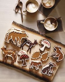 Recipes for honey-spice gingerbread and dark-chocolate cookies, and cookie templates. A Woodland Christmas at Martha's House. Best Christmas Cookie Recipe, Holiday Cookies, Christmas Baking, Christmas Treats, Woodland Christmas, Christmas Biscuits, Christmas Cookies Simple, Holiday Treats, Christmas Cookie Icing