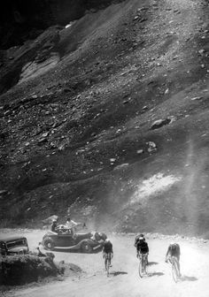 Climbing Tourmalet on gravel in the 1935 Tour de France. Talk about suffering!