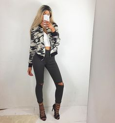 Camouflage and khaki Jeans are @chiqueboss my new favorite online shop! My code 'hanna' will give you 15% off. @forevermodo jacket ( code: hanna15 #forevermodo ) and shoes @flingfootwear ✨