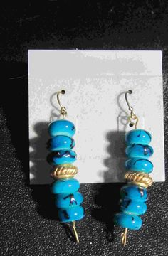 blue shell earrings   5.00$