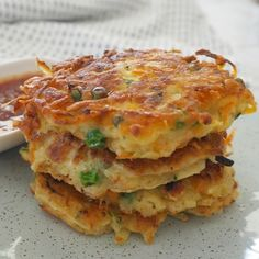 Our Thermomix Vegetable Fritters make a great snack, easy meal or lunchbox treat! We love fritters in our house. They are such an easy recipe to put together and the ingredient combinations are practically endless Thermomix Recipes Healthy, Vegetarian Recipes, Baby Food Recipes, Snack Recipes, Cooking Recipes, Recipes Dinner, Dinner Ideas, Cooking Steak, Cooking Bacon