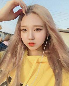一 @ғᴇɴxxɪɴɢ 彡★ Bff Girls, Kpop Girls, Cute Girls, Ulzzang Korean Girl, Cute Korean Girl, Asian Makeup, Korean Makeup, Ulzzang Fashion, Korean Fashion