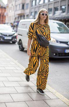 Graphic African Mood - Street Style Stockholm Fashion Week - Harpers Bazaar - Picture Diego Zuko