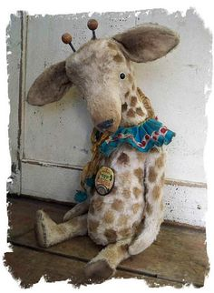 Awwe...A Circus Toy Giraffe - too precious!!! Makes me smile & think of my sweet niece Autumn Taylor as giraffe's are her favorite!!<3 (:
